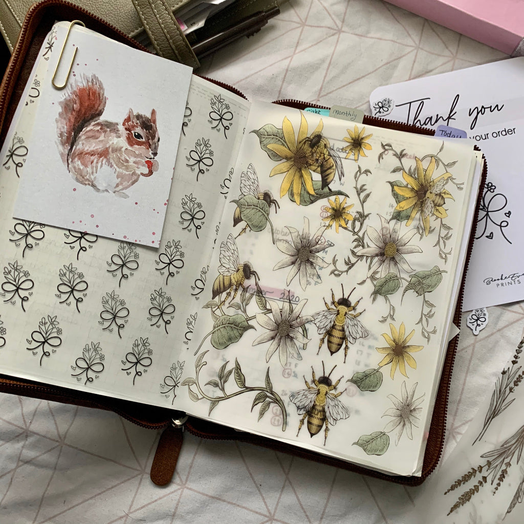 Printed Vellum Planner Dashboards - Bee vintage flowers