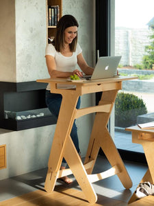 Why Creative People Should Consider Buying a Standing Desk