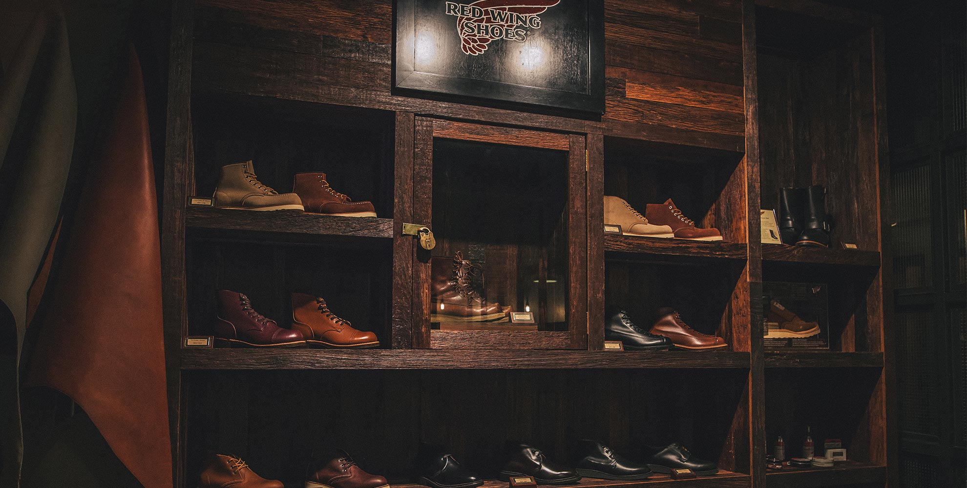 PAST, PRESENT, FUTURE : RED WING