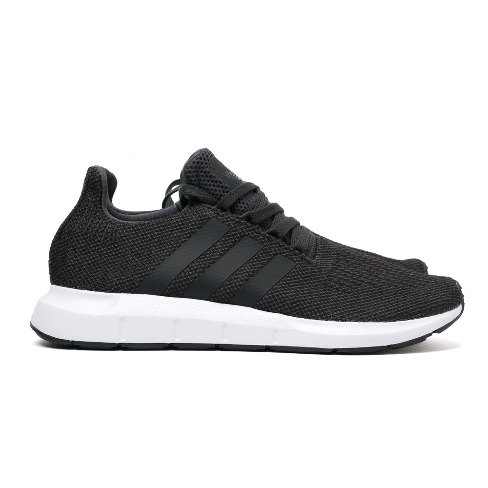 adidas Originals Swift Run | Black - CROSSOVER ONLINE