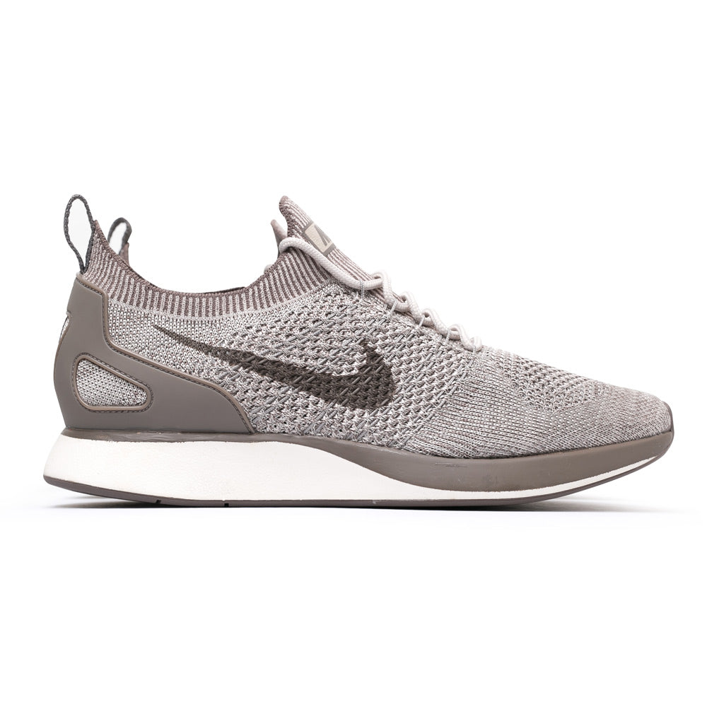 Nike Men's Air Zoom Mariah Flyknit Racer | Light Brown - CROSSOVER ONLINE
