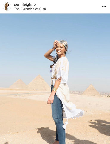 Wonder Woman Scarf with the World Wonder in Egypt