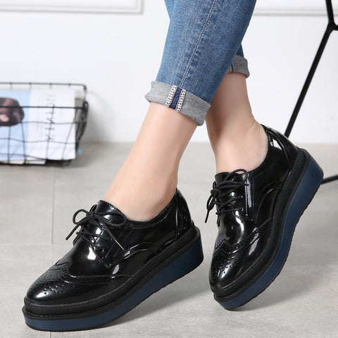 PINSEN 2017 Autumn Women Flat Platform Shoes Brogue Patent Leather Lace up flats Women's Shoes Female Casual Creepers Shoes
