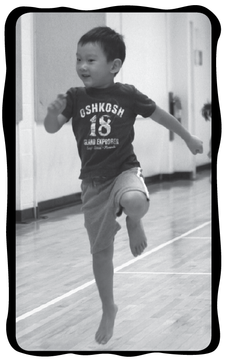 Skipping with knees high in front of the body