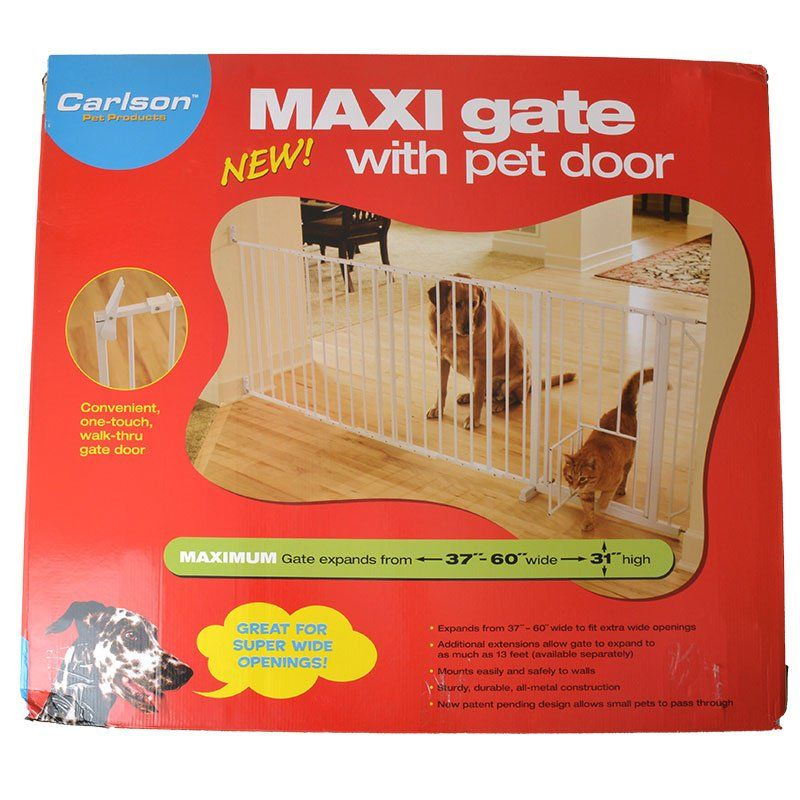 Carlson Pet Gates Maxi Walk Thru Gate with Pet Door