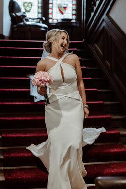Super gorgeous Jude in her glamorous Suzanne Neville dress.