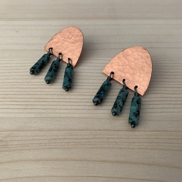 Kate studs in hammered copper with turquoise beads