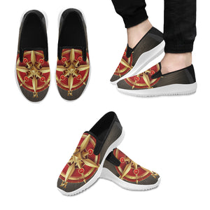 Golden ancient compass rose Orion Slip-on Men's Canvas Sneakers (Model 042)