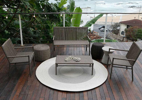 outdoor set with rug