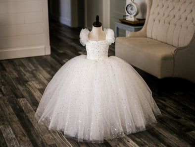 "The Traveling Dress Project: ""Stars in Her Eyes"" Gown in Off-White: Floor length: Size 5, fits sizes 3-7"