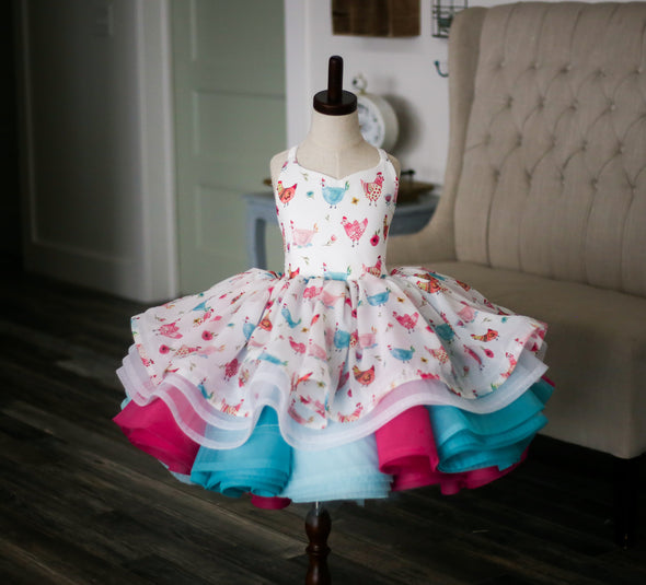 The Traveling Dress Project: The CHICKEN Dress!!! Size 8, shortie length, fits sizes 4-10