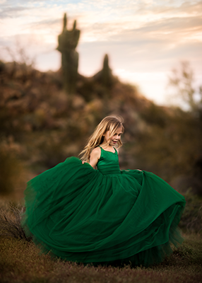 Rent The Leisel Gown in Emerald Green - size 7/8: fits size 5-petite 10
