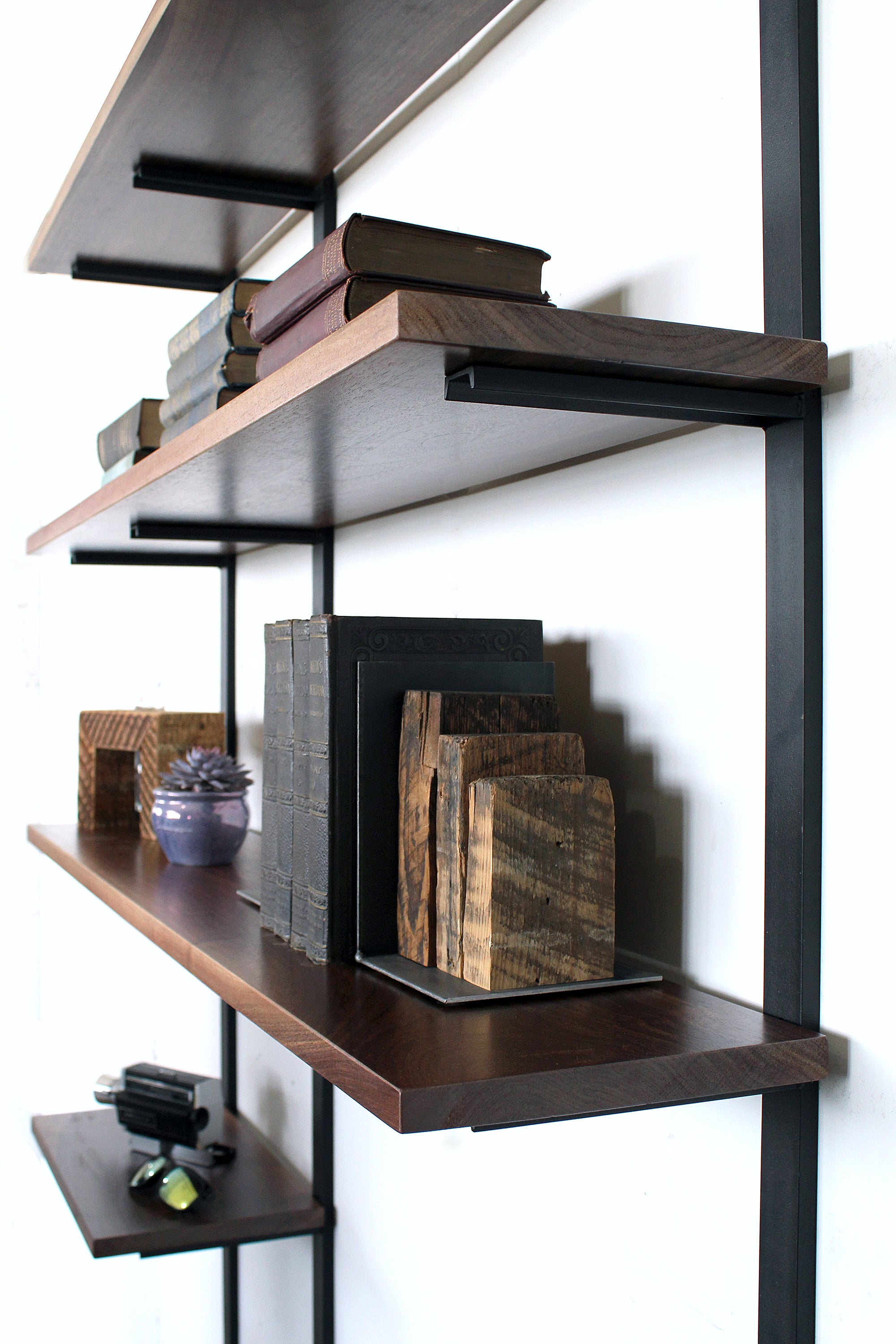 wall-mount-shelving_shelving-unit_modern-home-office_small-space-office_mid-century-desk