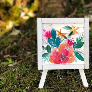 Floral Fantastico Easel Decor