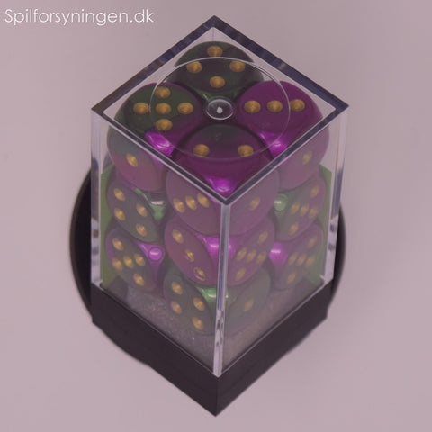 Gemini™ – d6 Green-Purple w/gold Dice Block