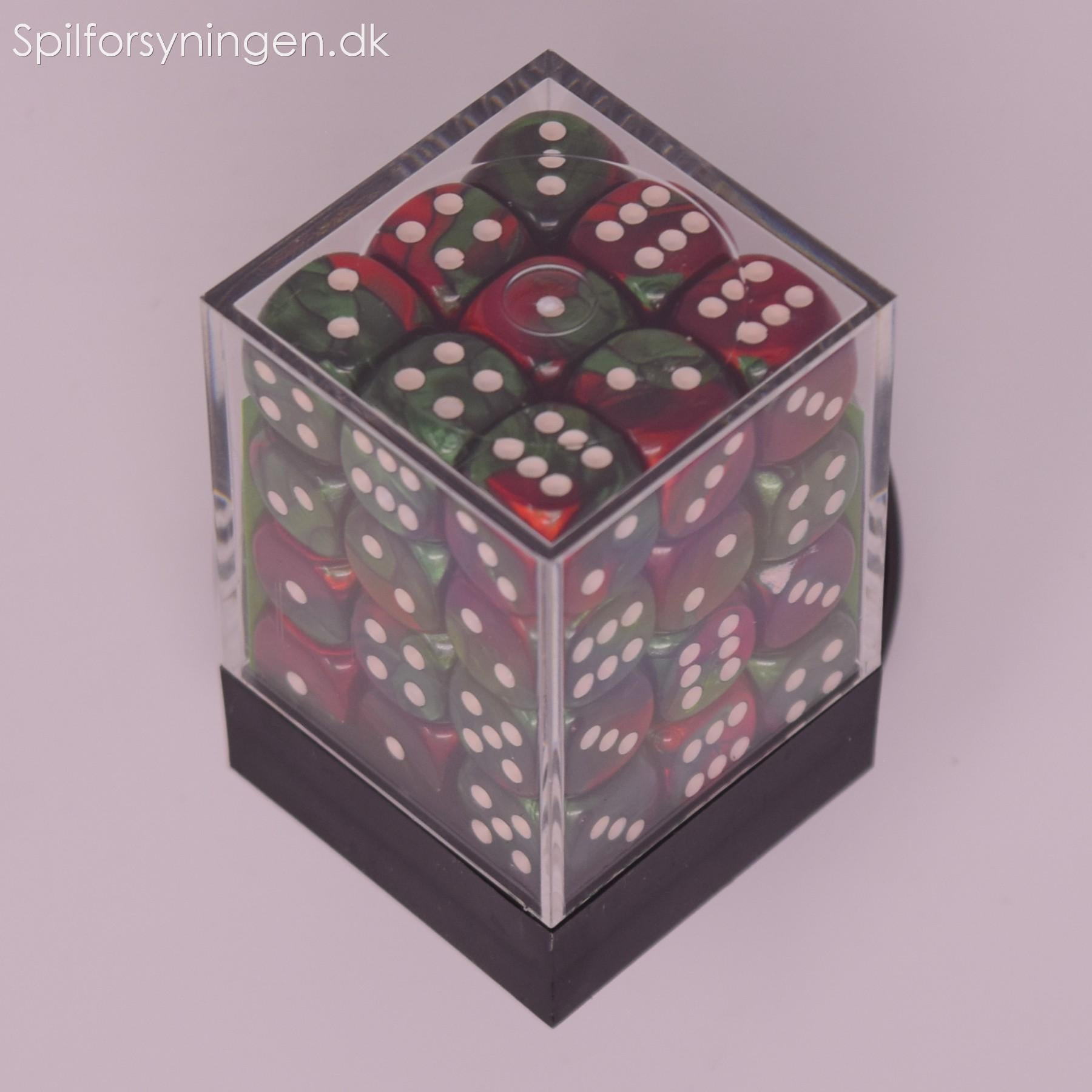 Gemini™ - 12mm d6 Green-Red w/white Dice Block