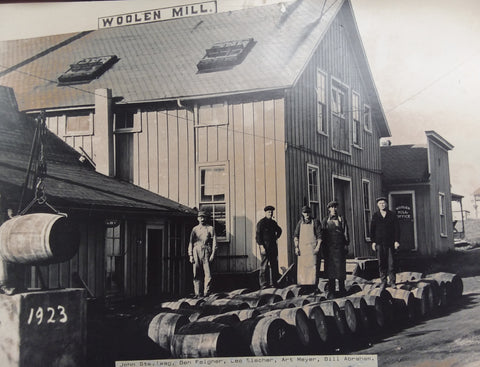 1923 outside Frankenmuth Woolen Mill