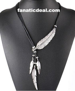 Vintage Feather Necklas