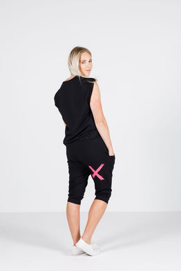 3/4 APARTMENT PANT -BLACK w PINK X