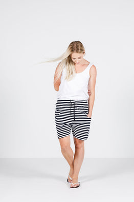 APARTMENT SHORTS -BLACK & WHITE STRIPE