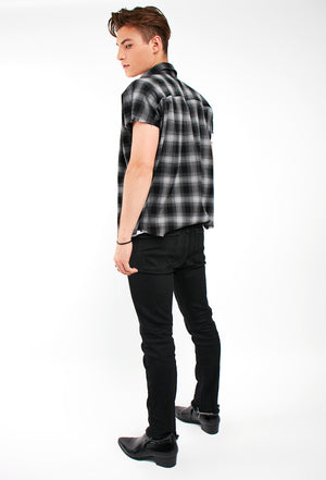 Charlie Cut-Off Shirt - Black Plaid
