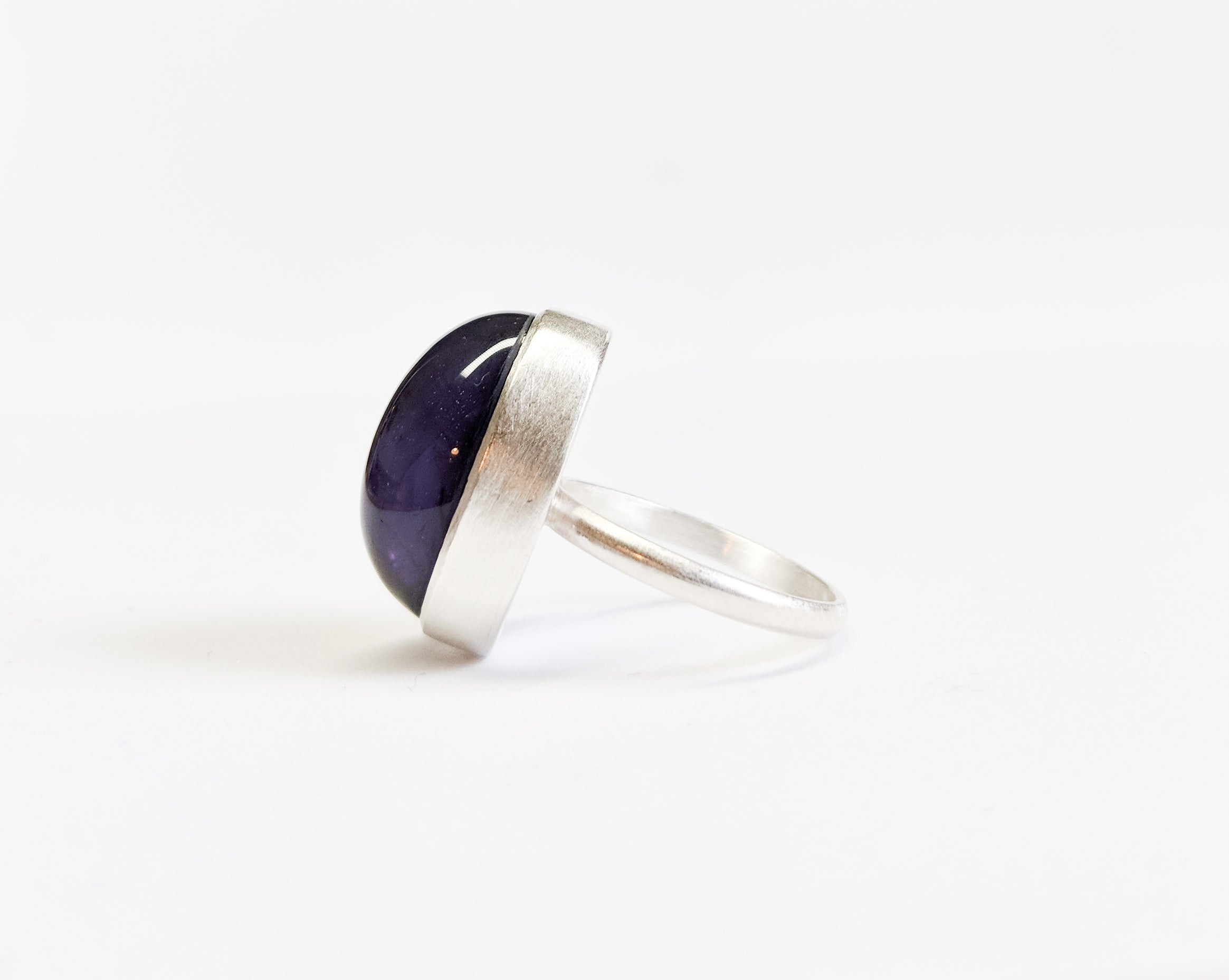 Modern Oval Amethyst Ring