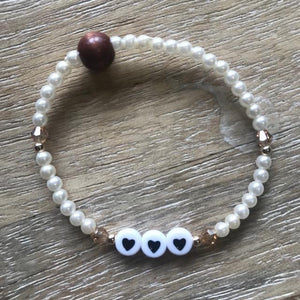 Hearts Pearl Bracelet with gold accents