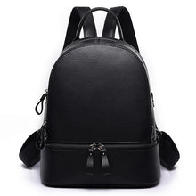 New Fashion Rivet Women Backpack Brand 100% Genuine Leather Backpack Purse Luxury School Bag Bookbag Designer Simple Backpack