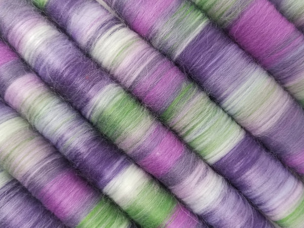 Iris - Rolag Puni Merino wool - spinning felting dreads pastel purple green violet mint