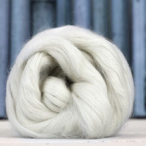 Suri alpaca combed top - white undyed