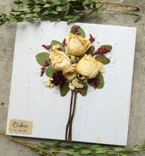 "Bridal Bouquet WITH Personalization- 11"" x 11"" (For smaller bouquets)"