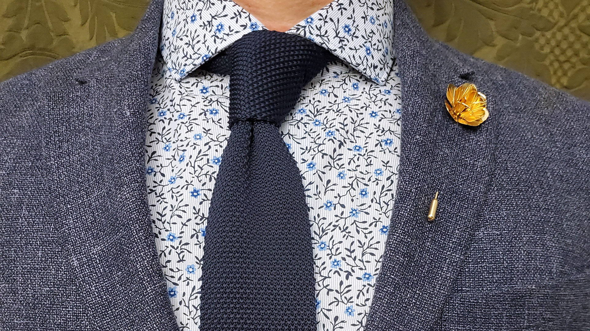 8 Stylish Tips for Casually Wearing a Knit Tie