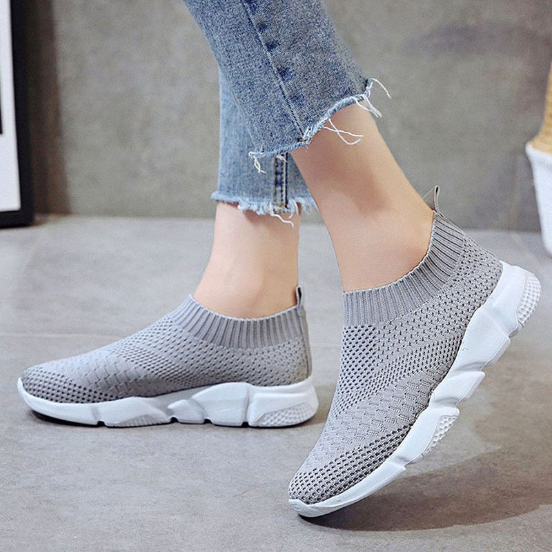2020 New Flyknit Sneakers Women Breathable Slip On Orthopedic Bunion Corrector Shoes