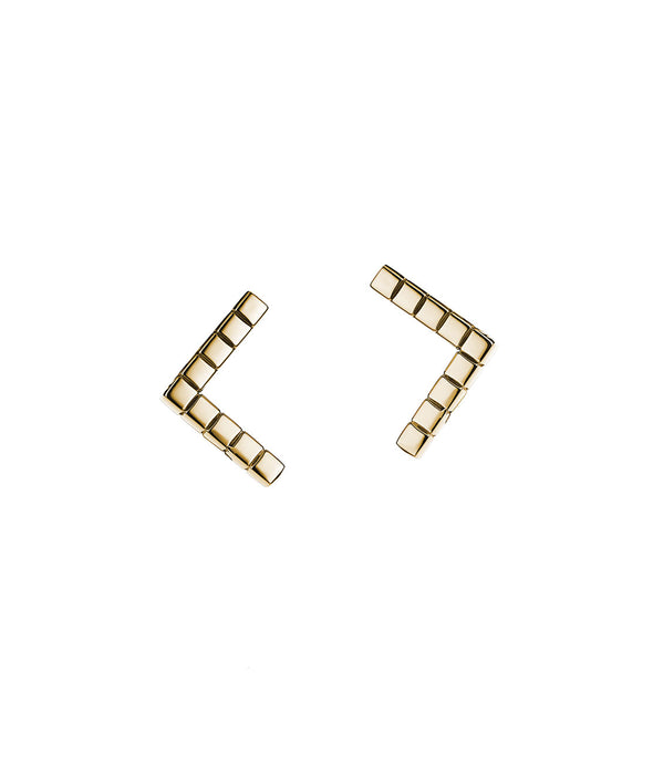 14k gold v shape stud earrings