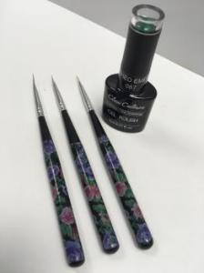 Flower nail brushes