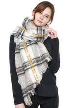 Soft Plaid Check Scarf