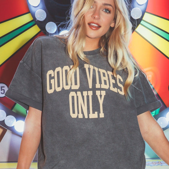 GOOD VIBES SHORT SLEEVE CORD SHIRT