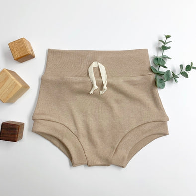 BEIGE SHORTIES