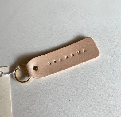 'GRANDMA' FLAT LEATHER KEYCHAIN