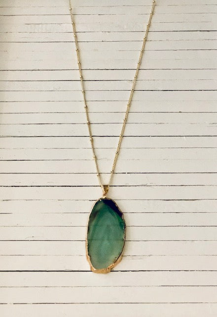 GREEN NATURAL AGATE SLICE NECKLACE