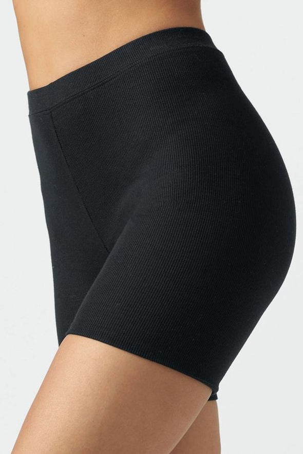 MID LENGTH SHORT-BLACK FLEX RIBBED
