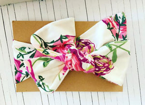 FLOWERED BOW