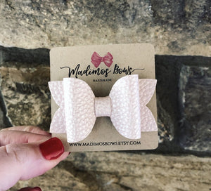"HOLIDAY BOWS 3.5"" BLUSH PINK"