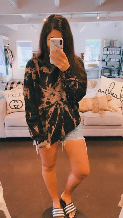 BOYFRIEND FIT TIE DYE SWEATER