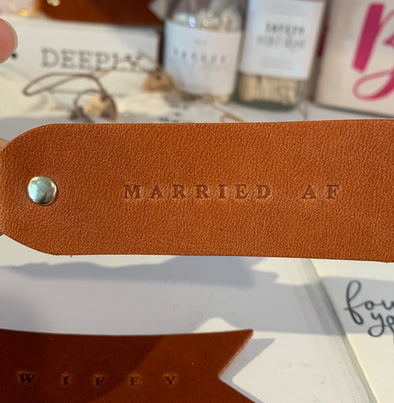MARRIED AF FLAT LEATHER KEYCHAIN