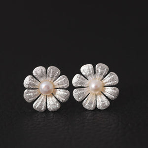 SilverBonbon Sterling Silver Pearl Daisy Stud Earrings