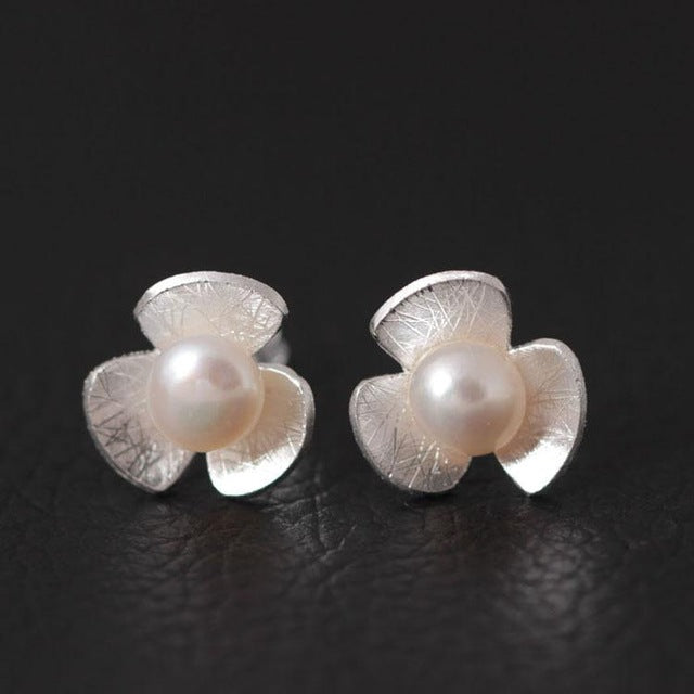 Silver Bonbon Designer Sterling Silver Pearls Three Petal Flower Stud Earrings