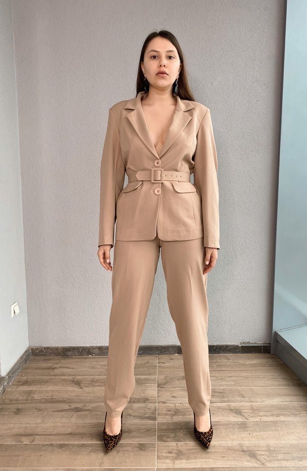 Brown Blazer with Shoulder Pads, Belt and High Waist Trouser Suit - NALÈ