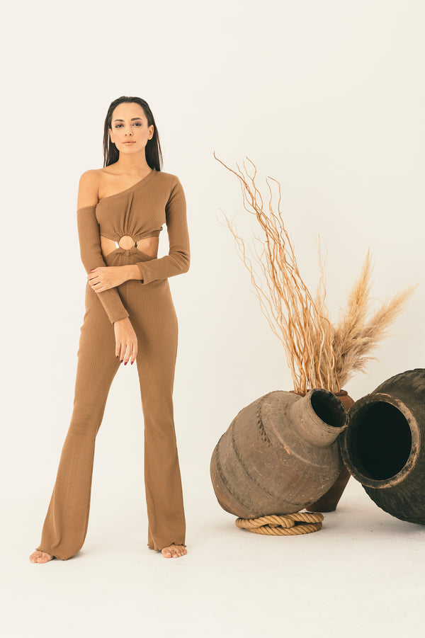 Nude jump-suit with cutout for loungewear