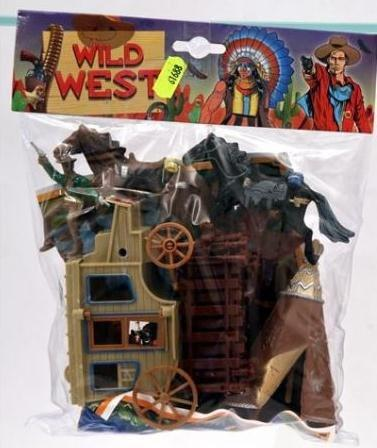 "Globo Toys Globo36784 ""W'Toy"" Cowboy and Indian Soldier with Map"